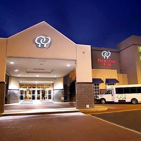 фото Doubletree Hotel Richmond Airport 488418173