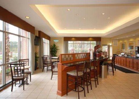 фото Comfort Suites Magnolia Greens 488419149