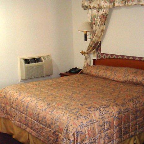 фото Wesley Inn & Suites 488420307