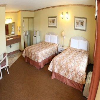 фото Glen Capri Inn and Suites  San Fernando Road 488420747