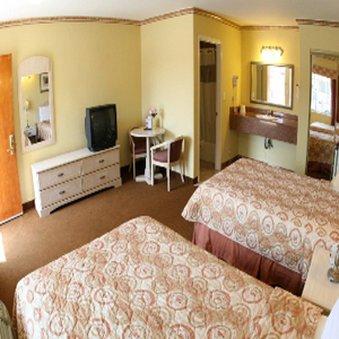 фото Glen Capri Inn and Suites  San Fernando Road 488420748