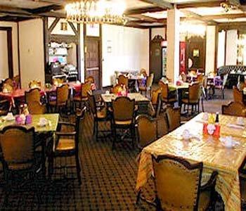 фото Aurora Fox Valley Inn 488425459