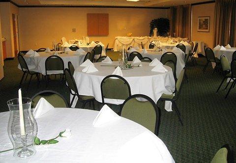 фото Fairfield Inn & Suites by Marriott Lawton 488425803