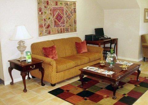 фото Quality Inn & Suites 488429346