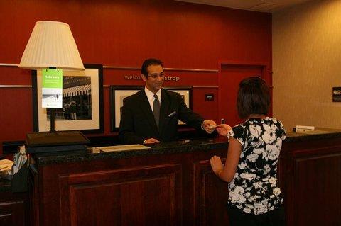 фото Hampton Inn and Suites Bastrop 488429411