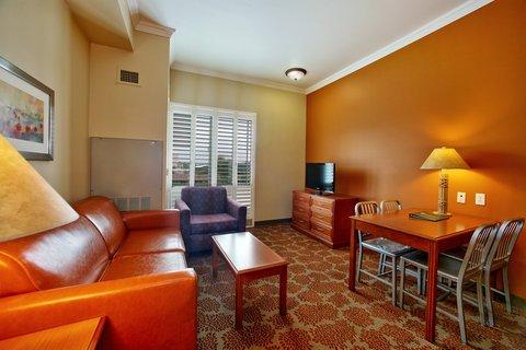фото Desert Palms Hotel & Suites Anaheim Resort 488429818