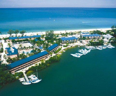 фото Tween Waters Inn Island Resort 488433549