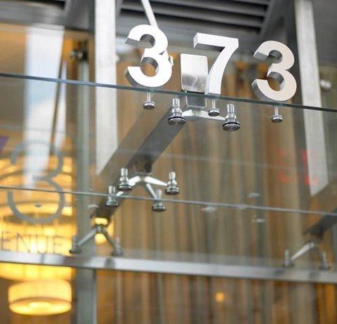 фото Hotel 373 Fifth Avenue 488433805