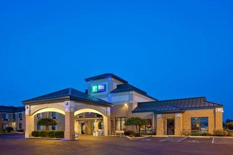фото Holiday Inn Express Huntington 488437244