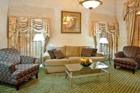 фото Holiday Inn Express Huntington 488437246