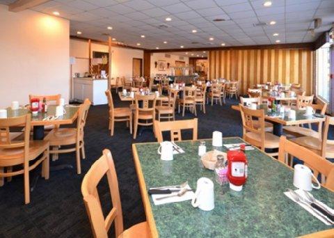 фото Quality Inn Navajo Nation Capital 488440825