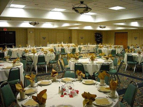 фото Best Western Plus Grand Seasons Hotel 488444789