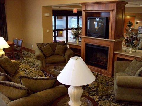 фото Hampton Inn and Suites Jamestown 488453456