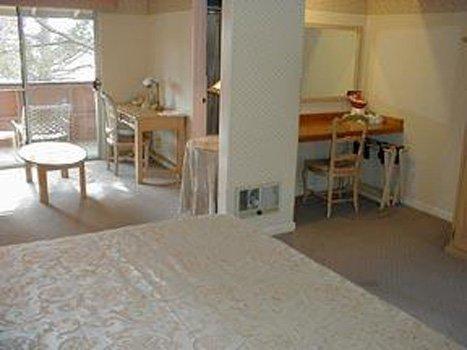фото Carmel Inn & Suites 488453514