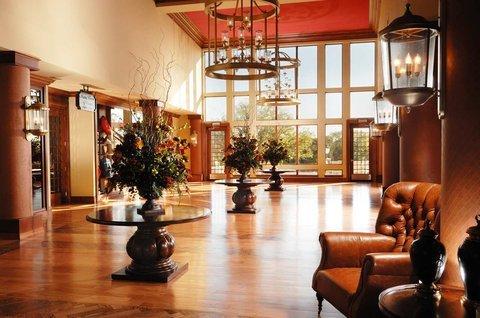 фото Hilton Promenade at Branson Landing 488455424
