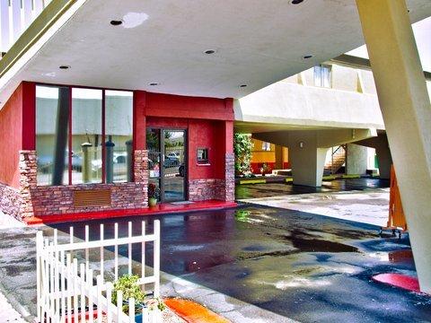 фото City Center Downtown 488455517