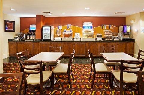 фото Holiday Inn Express & Suites Huntersville Birkdale 488457713