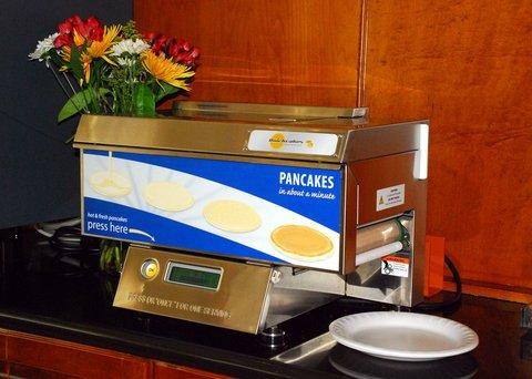 фото Holiday Inn Express Hotel & Suites Warrenton 488457995