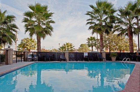 фото Comfort Inn & Suites 488459426