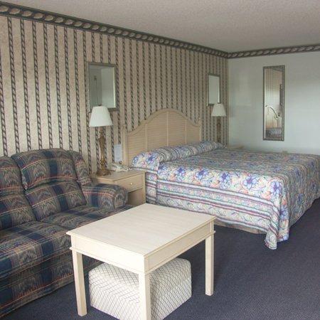 фото Deerwood Inn Madison 488460011