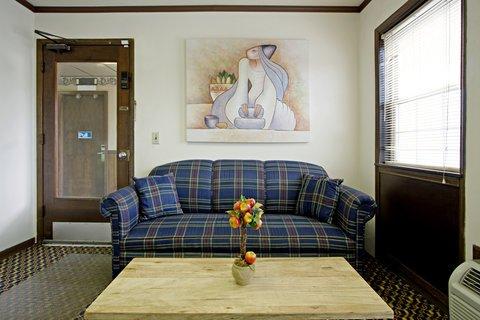 фото Americas Best Value Inn Darlington 488461848