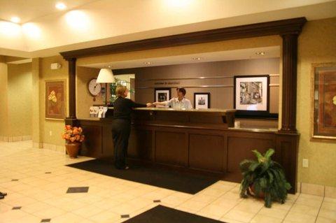 фото Hampton Inn Marshall - MI Hotel 488462041