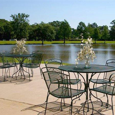 фото Quality Inn St. Francis On The Lake 488462382