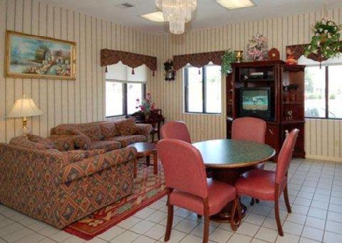 фото Econo Lodge Milledgeville 488472206