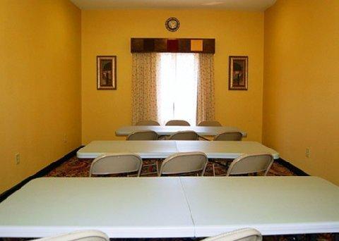 фото Comfort Inn & Suites Fort Gordon 488475490