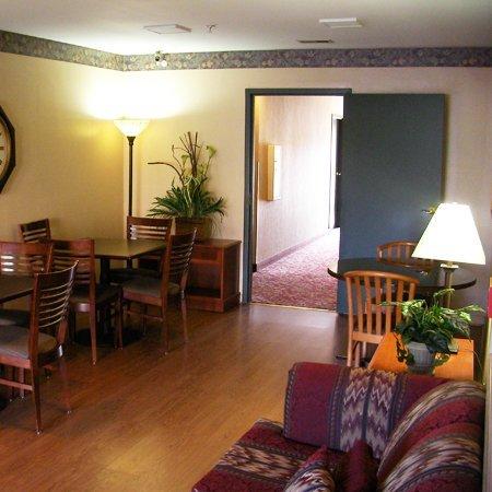 фото Home Lodge Louisville Sellersburg 488485416