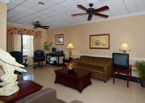 фото Comfort Suites Savannah North 488489897