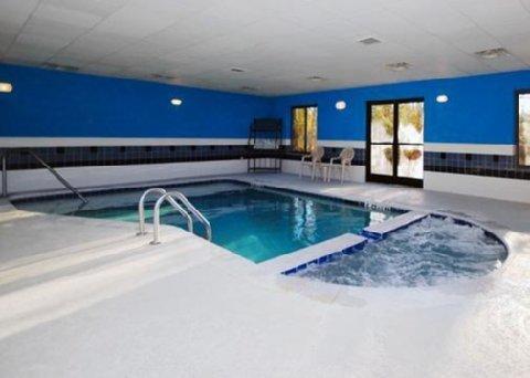 фото Comfort Suites Savannah North 488489900