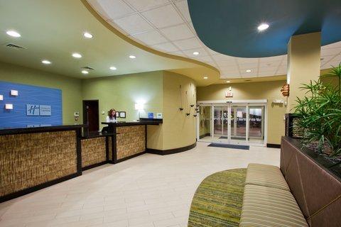 фото Holiday Inn Express Waycross 488510429