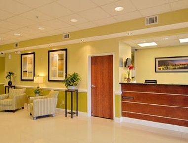 фото Days Inn and Suites Port Wentworth-North Savannah 488511076