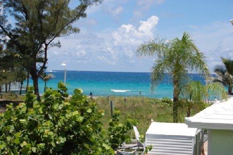фото The Waves Apartments & Resort 488512893