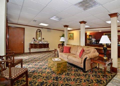 фото Econo Lodge Cleveland 488513368