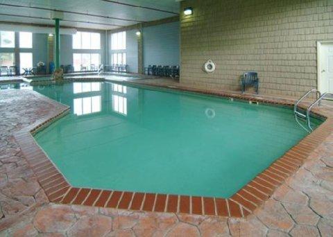 фото Comfort Suites Mackinaw City 488514607