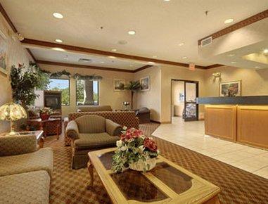 фото Baymont Inn & Suites Lawrence 488521366