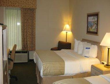 фото Baymont Inn & Suites Lawrence 488521367