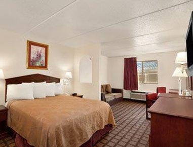 фото Days Inn & Suites Laredo 488521720