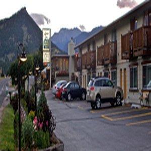 фото Alpine Trail Ridge Inn 488522265