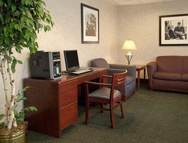 фото Baymont Inn & Suites Cincinnati 488522451