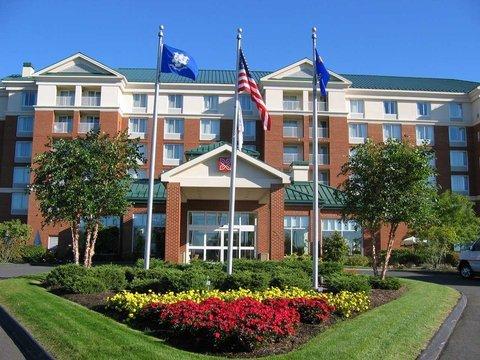 фото Hilton Garden Inn Hartford North-Bradley International Airport 488524373