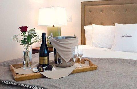 фото Doubletree Hotel San Pedro 488525138