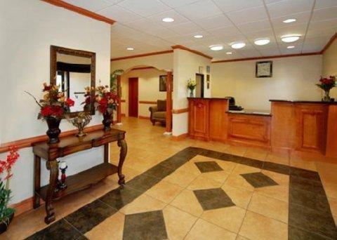 фото Comfort Inn & Suites 488527127