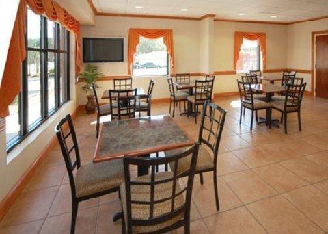 фото Comfort Inn & Suites 488527129