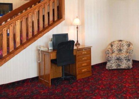 фото Comfort Inn Huron 488527137