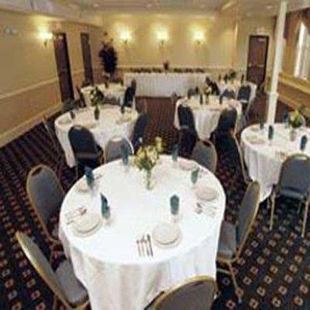 фото La Quinta Inn & Suites St. Albans 488527192