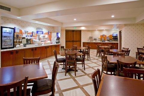 фото Holiday Inn Express Carpinteria 488527787