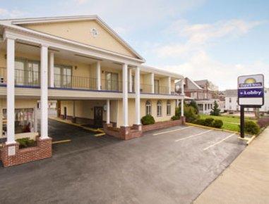 фото Days Inn Waynesboro 488530498